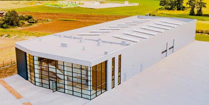 budowa dachu hali stalowej